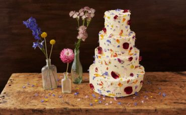 торт-в-лепестках-цветов