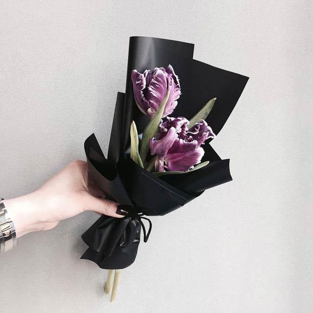 Два-тюльпана-в-упаковке