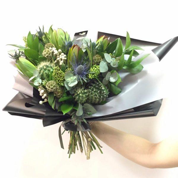 Цветов москва, букет из кактусов в коробке