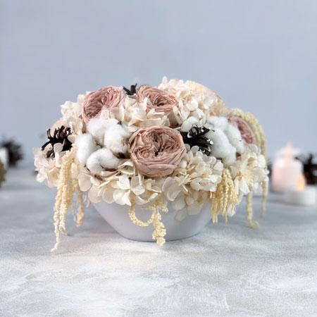 композиция с пионовидными стабилизированными розами