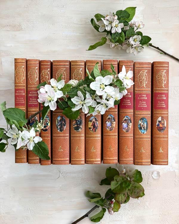 Книги-и-цветы-фото